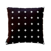 poduszka-scandinavian-cross-motif-black.jpg